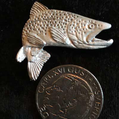 pin pins hoppande öring tennsmycke arcticart arcticarts örjansfiske